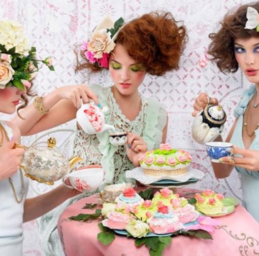 girls-at-tea-party